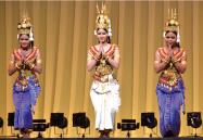 2011年度のアジア太平洋フェスティバルでのカンボジアダンス